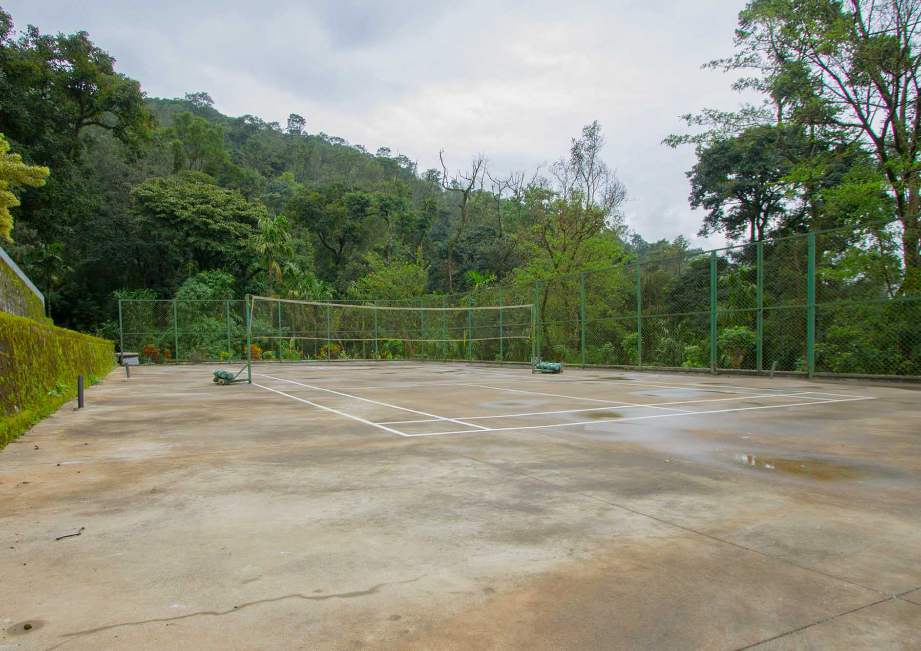 volleyball-court-in-nature-at-the-tarama-coorg