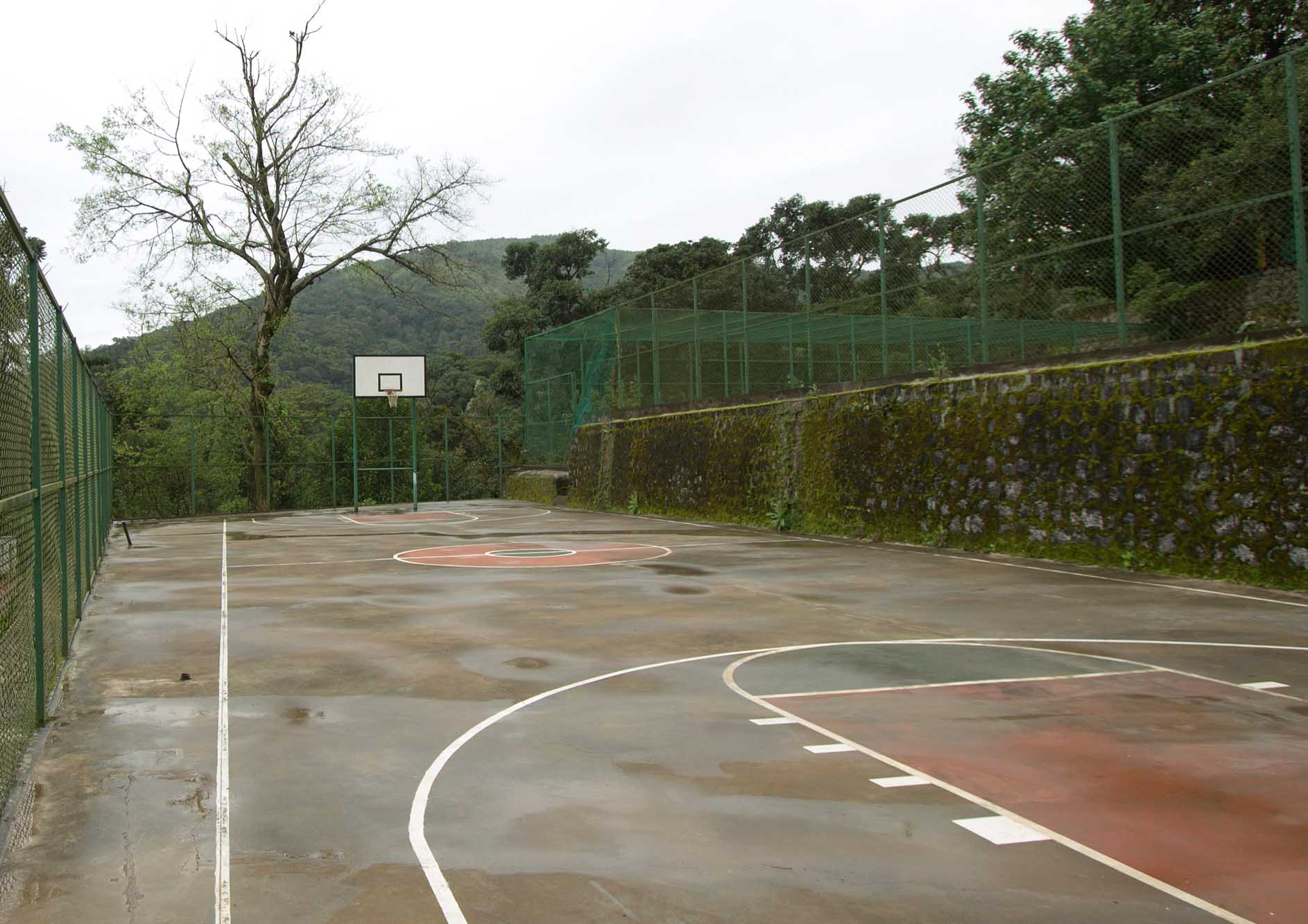 basketball-court-with-mountain-view-at-the-tamara-coorg