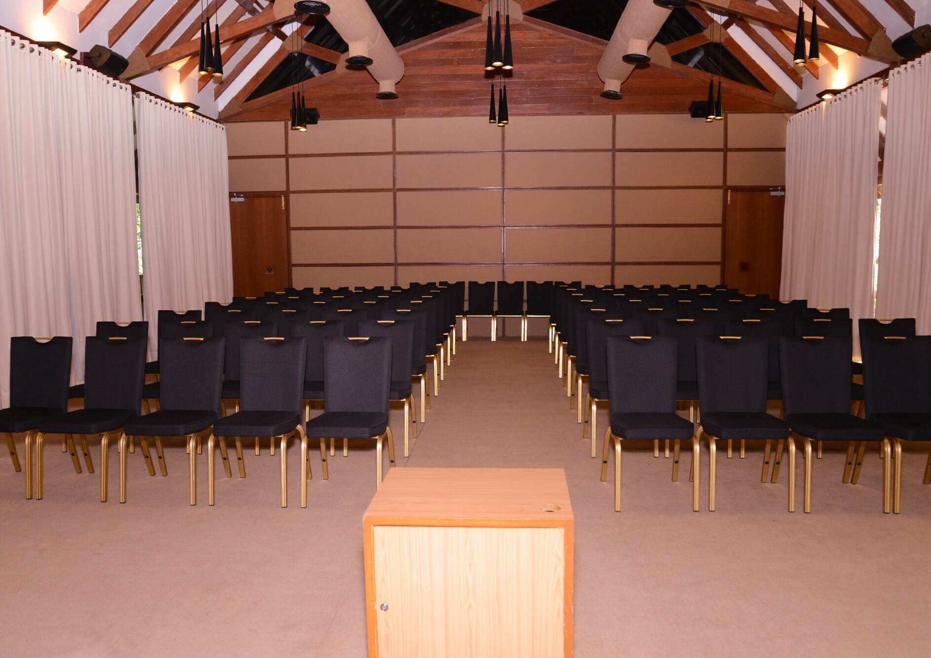 conference-room-chair-setup